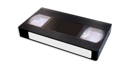 Las películas en VHS se revenden por una pasta.
